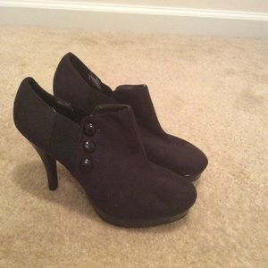 Unlisted by Kenneth Cole black button booties 8